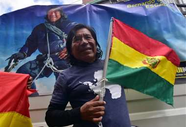 Bernardo Guarachi es el escalador más exitoso del país. Volvió este martes de conquistar el Vinson, la montaña más alta de la Antártida. Foto. APG Noticias