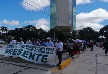 La marcha en su paso por el Palacio de Justicia (Gustavo Fernando Jiménez)