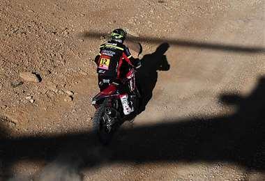 Barreda es uno de los pilotos más competitivos en el Dakar. Marcha tercero en la general. Foto. AFP