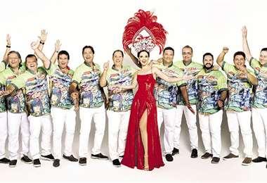 Alegres. Los coronadores y la reina del Carnaval serán hoy los grandes protagonistas. Foto: L. MENDIZÁBAL Y H. VIRGO.