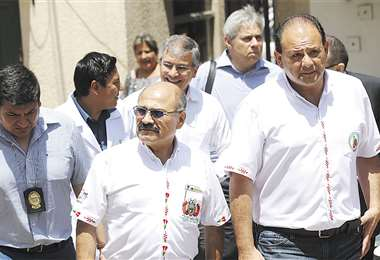 El ministro de Salud, Aníbal Cruz, ingresa al hospital de la CNS