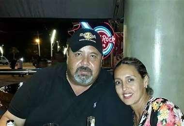 Hugo Dellien, padre, vivió el partido acompañado de su esposa. Foto: Facebook