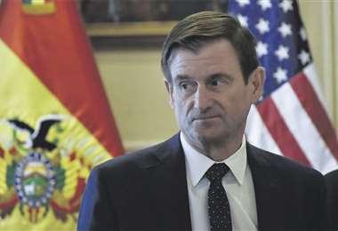 La alta autoridad del Departamento de Estado dijo que fue enviado por Pompeo para decirle a la presidenta Áñez que su país está listo para reponer embajadores