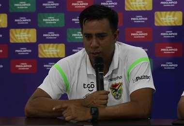 César Farías, en rueda de prensa. Foto: Captura video