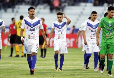 Los jugadores de San José esperan conseguir la victoria para forzar a los penales. Foto: APG