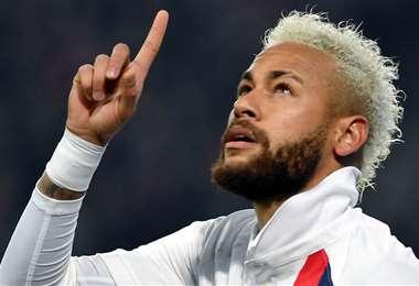 Neymar le dedicó el gol de penal al desaparecido Kobe Bryant . Foto: AFP