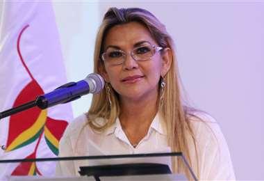 Áñez defendió su candidatura a la Presidencia de Bolivia. Foto: Jorge Ibánez