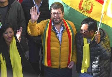 Unidad Nacional decidirá hasta mañana si se alía a algún frente o se presenta solo con Samuel Doria Medina