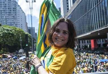 Duarte ha sido critica de los gobiernos del PT y se ha mostrado a favor de las políticas de Bolsonaro