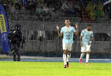 Erick Rivera celebra su gol. Foto: APG