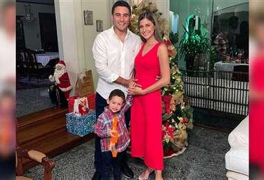 Nicolás Vaca Díez, María Ingrid Aguilera y el pequeño Nicolás