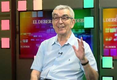 Alcides Parejas visitó EL DEBER para hablar de su libro