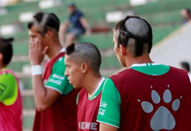 De izq. a dcha.: Álvarez, Zapata y br Briceño fueron tusados. Foto: Ricardo Montero