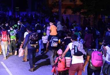 Hondureños rumbo a Estados Unidos. Foto AFP