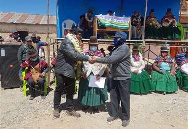 Los beneficiarios destacaron la entrega de los documentos (Foto: INRA)