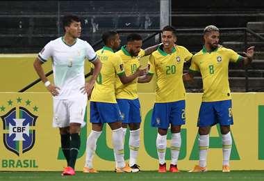La celebración de Brasil ante el lamento Bolivia. Foto: AFP