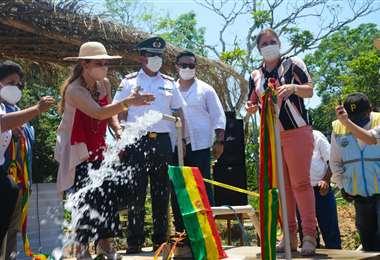 La presidenta Jeanine Añez inauguró los proyectos hídricos