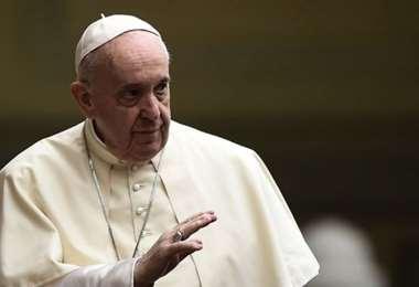 Francisco invitó a rezar por las víctimas y por todos aquellos cuya vida corre peligro
