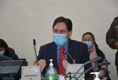 El presidente del TSE en el Legislativo I ente electoral.