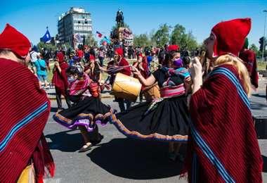 Disturbios en el 12 de octubre en Latinoamérica