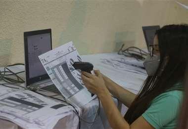 La verificación de las actas será determinante (Foto: Fuad Landívar)