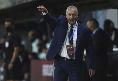 Gustavo Alffaro, entrenador de la selección de Ecuador. Foto. AFP