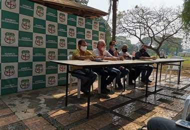 Miembros del comité ejecutivo ad hoc de la ACF. Foto: José Carlos Acosta