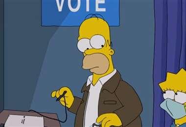 Homero en plena votación. Foto Internet