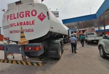 En Santa Cruz el diésel escaseo durante semanas/Foto:Hernán Virgo