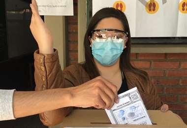 El voto en el exterior ha tenido problemas por la pandemia.