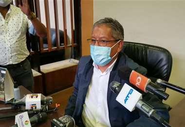 Iván Tellería hace declaraciones como alcalde de Cochabamba. Foto: Humberto Ayllón