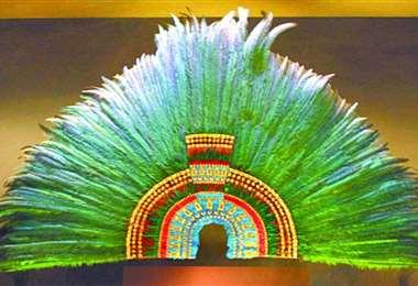 Este es el penacho de plumas de Moctezuma que se encuentra en Austria