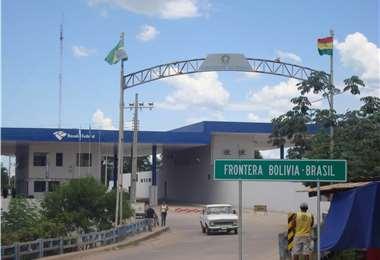 Paso fronterizo entre Bolivia y Brasil