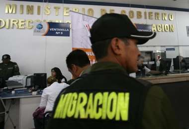 Se controla el tránsito de extranjeros dentro del país y en la frontera.