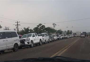 En Yapacaní retornaron las filas en busca de combustibles/Soledad Prado