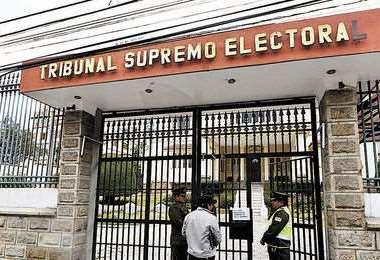 El Tribunal Supremo Electoral.