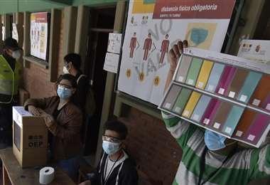 Este domingo los bolivianos elegirán un nuevo presidente   Foto: Archivo EL DEBER