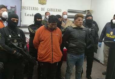 Los secuestradores fueron presentados en el Ministerio de Gobierno.