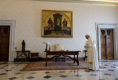 El papa en la residencia Santa Marta. Foto AFP