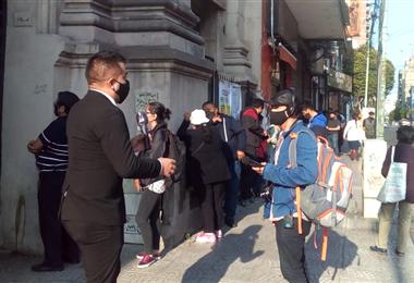 Bolivianos votan en Buenos Aires. Foto. David Maygua