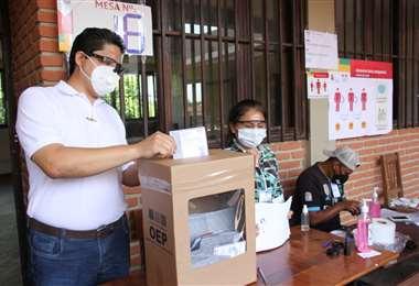 Ríos pidió a la población respetar las medidas de bioseguridad