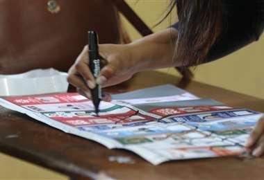 Un 15% de los bolivianos no podrán votar en el exterior.