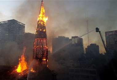La iglesia de la Asunción resultó totalmente destruida. Foto AFP