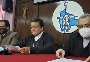 El monseñor Aurelio Pesoa leyó el pronunciamiento. Foto. Prensa Iglesia Católica