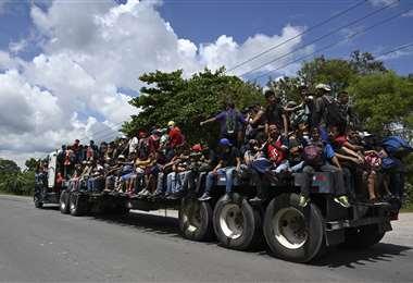 Los migrantes hondureños ya se encuentran en Guatemala. Foto AFP