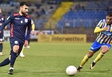 Bejarano en su último partido con el Lamia. Foto: Internet