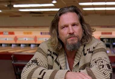 Jeff Bridges en una escena de El gran Lebowsky