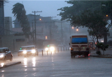 Se anuncia lluvia en la capital cruceña para el final de la tarde. Foto. Internet