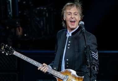 McCartney canta y toca el piano, la batería y la guitarra en su nuevo álbum