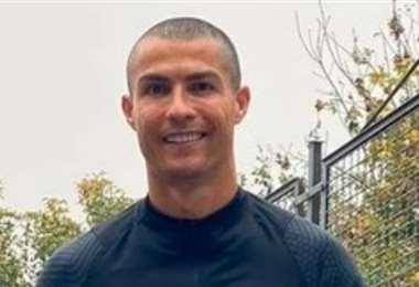 Así luce actualmente Cristiano Ronaldo, se rapó la cabeza y perdió su cuidada cabellera